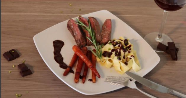 Ribbon noodles with red wine and chocolate sauce